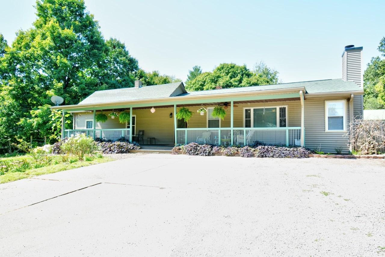 1041 N 2ND Property Photo - Riverton, IL real estate listing
