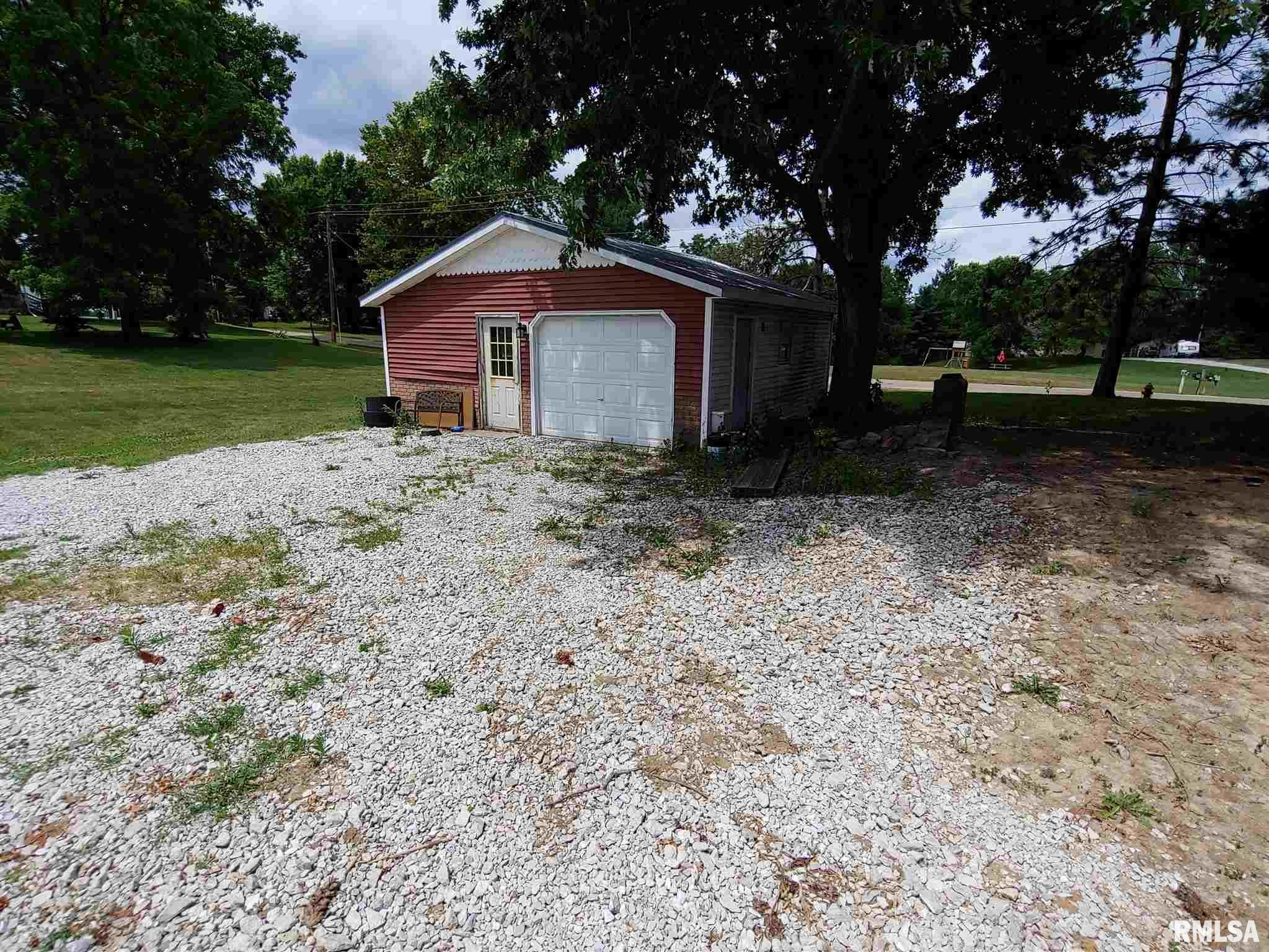 415 W BRECKENRIDGE Property Photo - Blandinsville, IL real estate listing