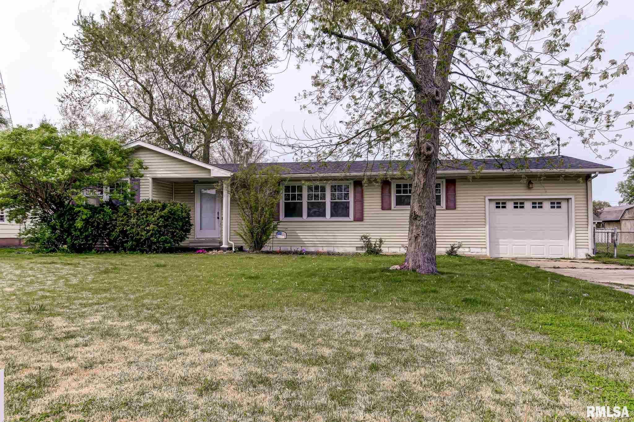 1103 RUTLEDGE Property Photo - Pawnee, IL real estate listing