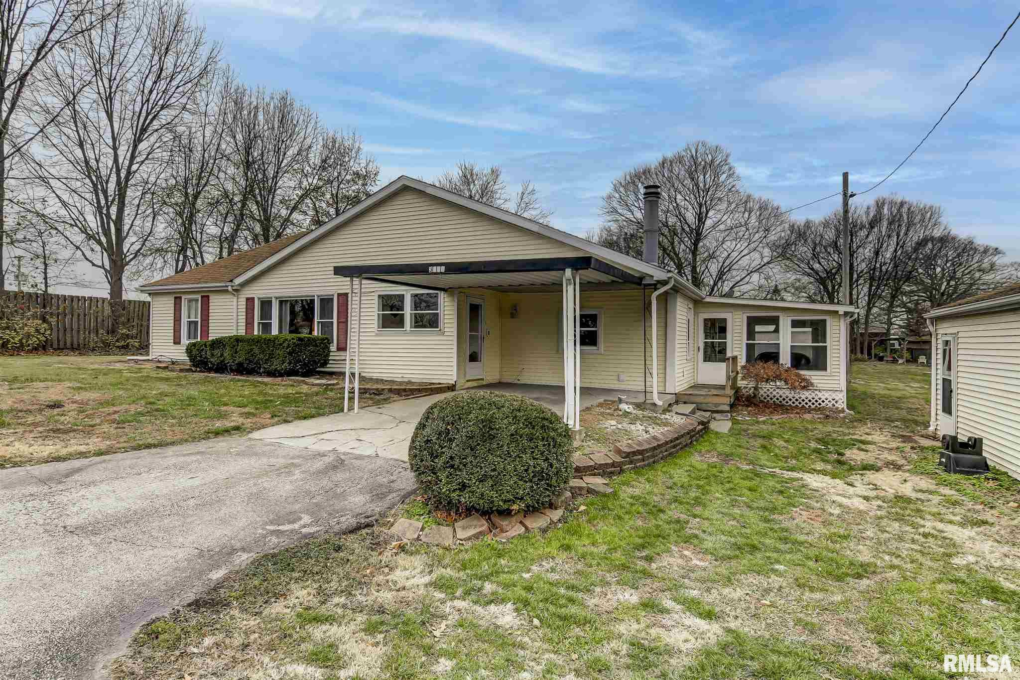 3865 Ware Property Photo - Springfield, IL real estate listing