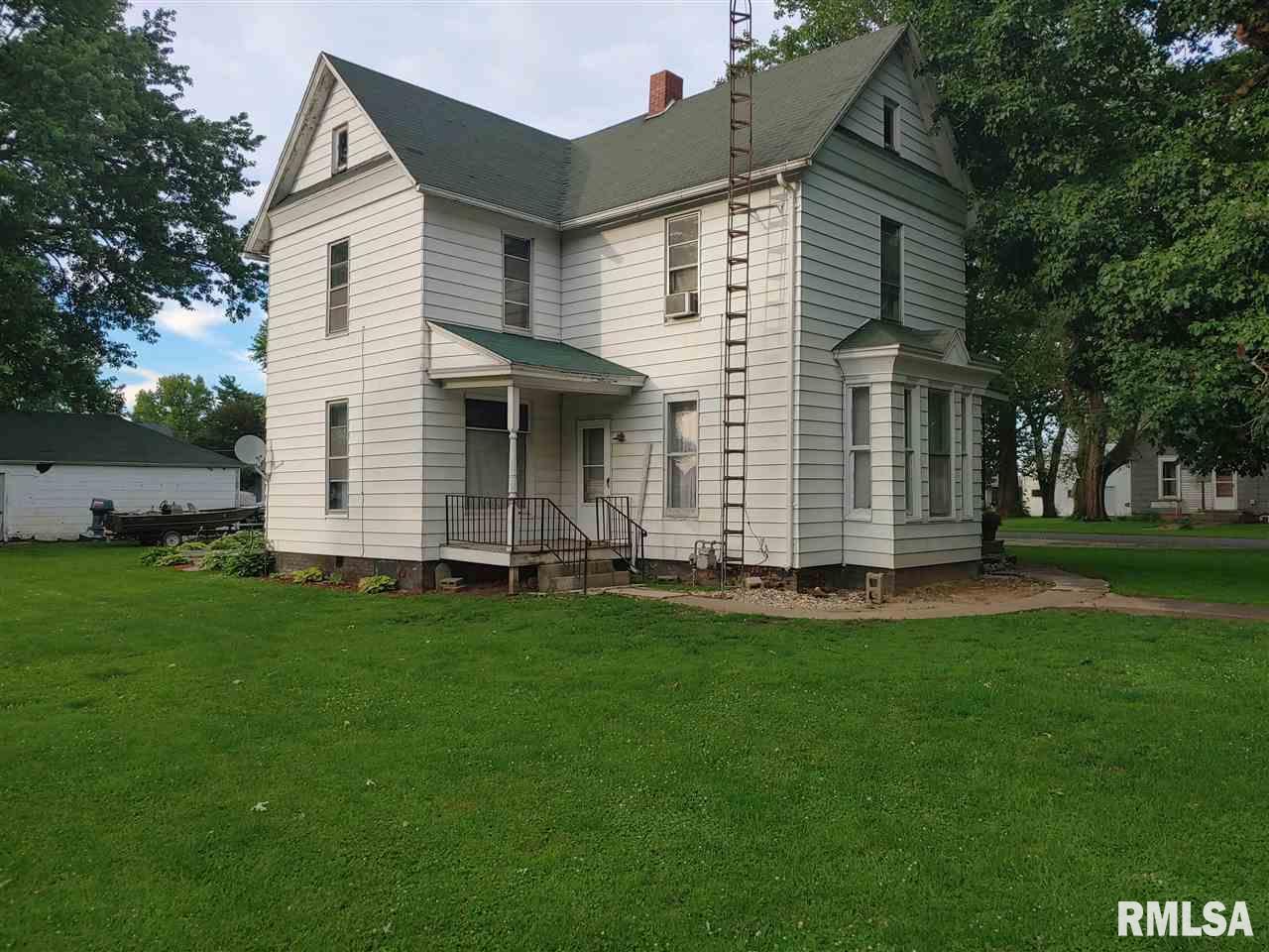 630 E ADAMS Property Photo - Blandinsville, IL real estate listing