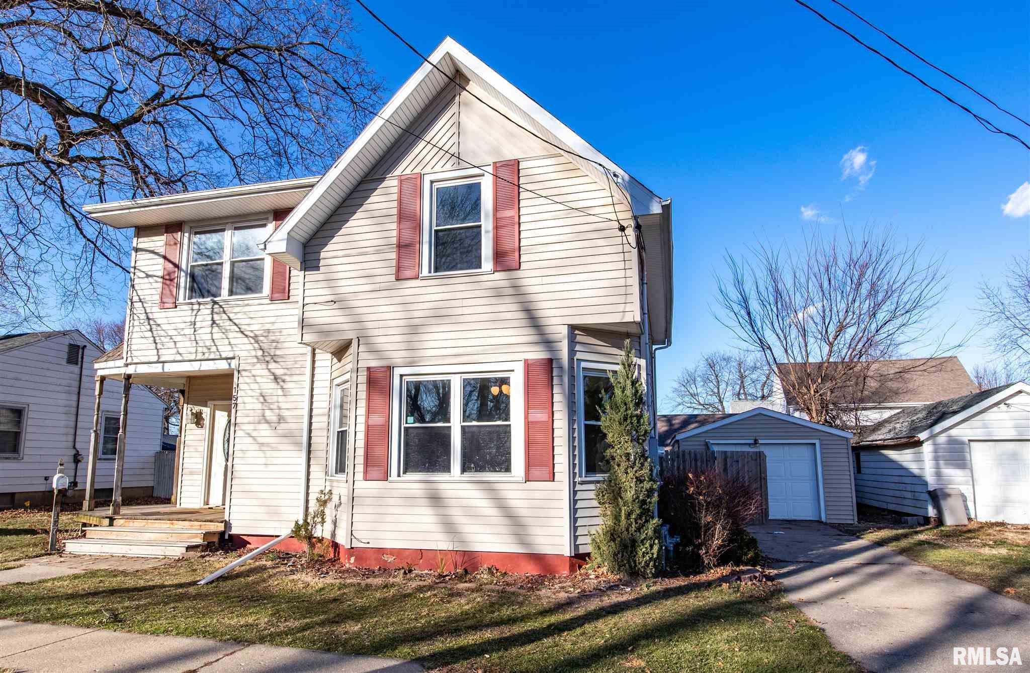 157 E COURT Property Photo - Farmington, IL real estate listing