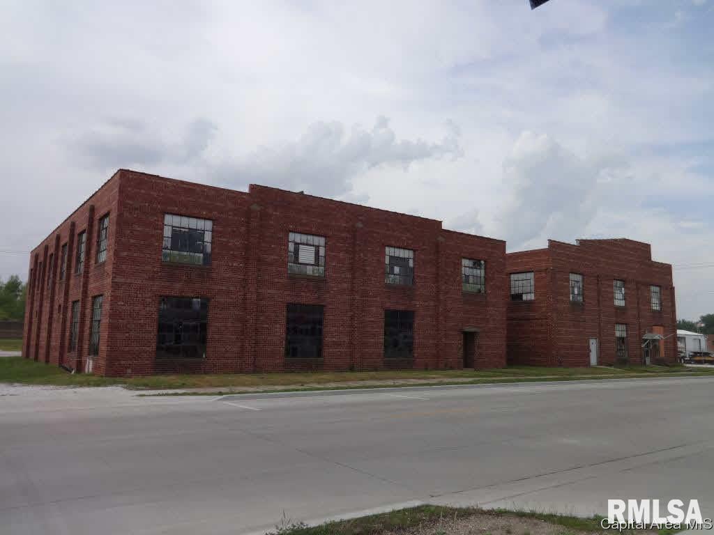 217 E MAIN Property Photo - Beardstown, IL real estate listing
