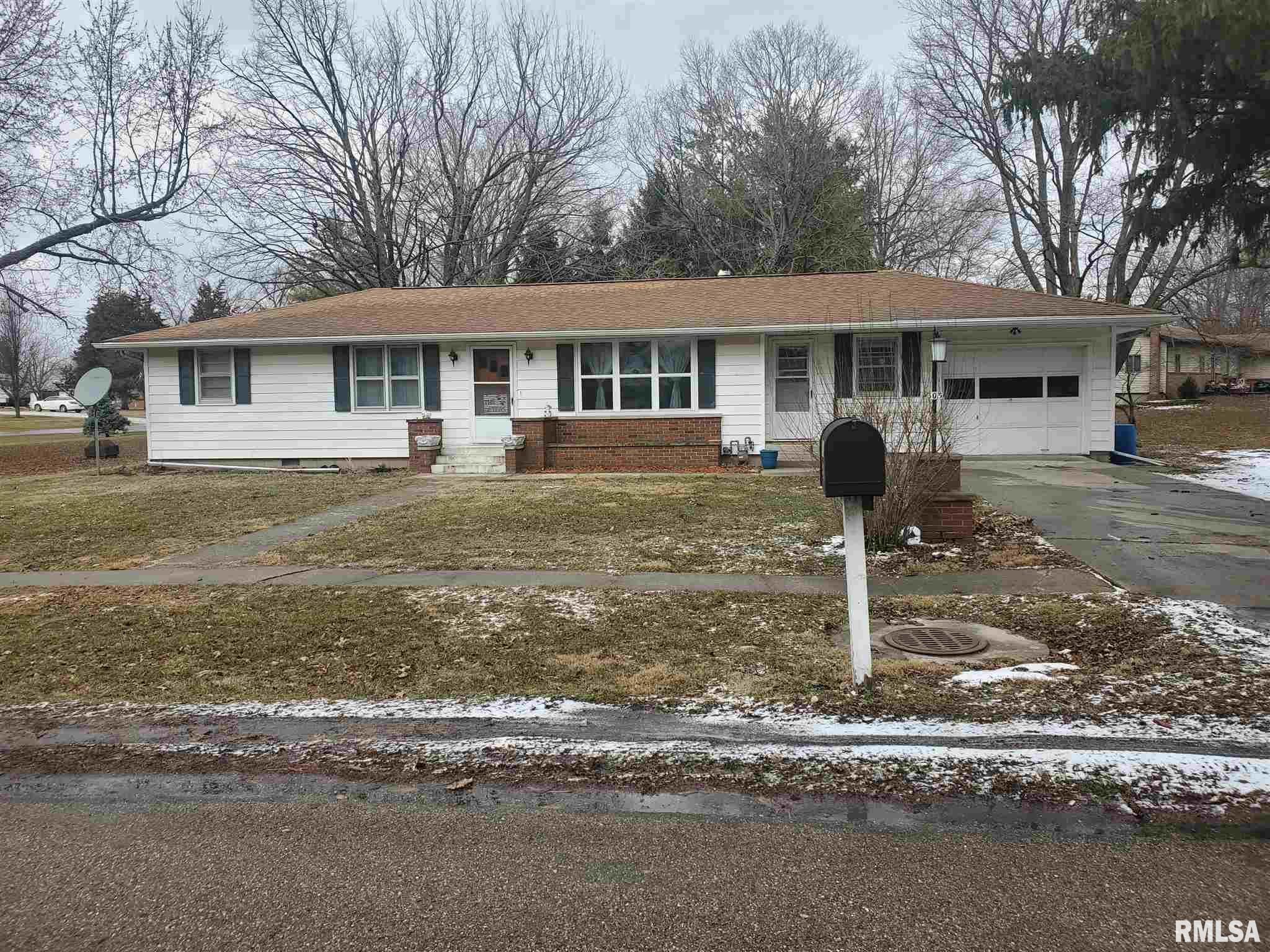 305 W MECHANIC Property Photo - Ashland, IL real estate listing