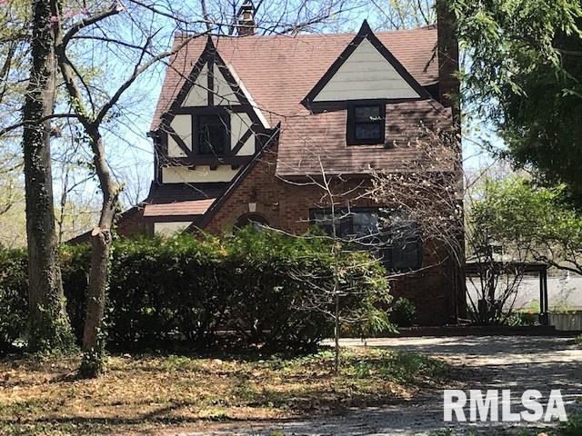 212 S 8TH Property Photo - Riverton, IL real estate listing
