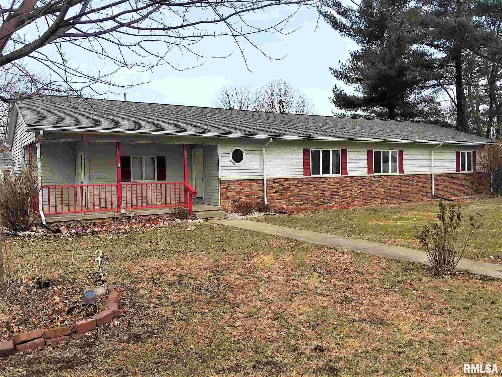 307 E CHURCH Property Photo - Pleasant Plains, IL real estate listing
