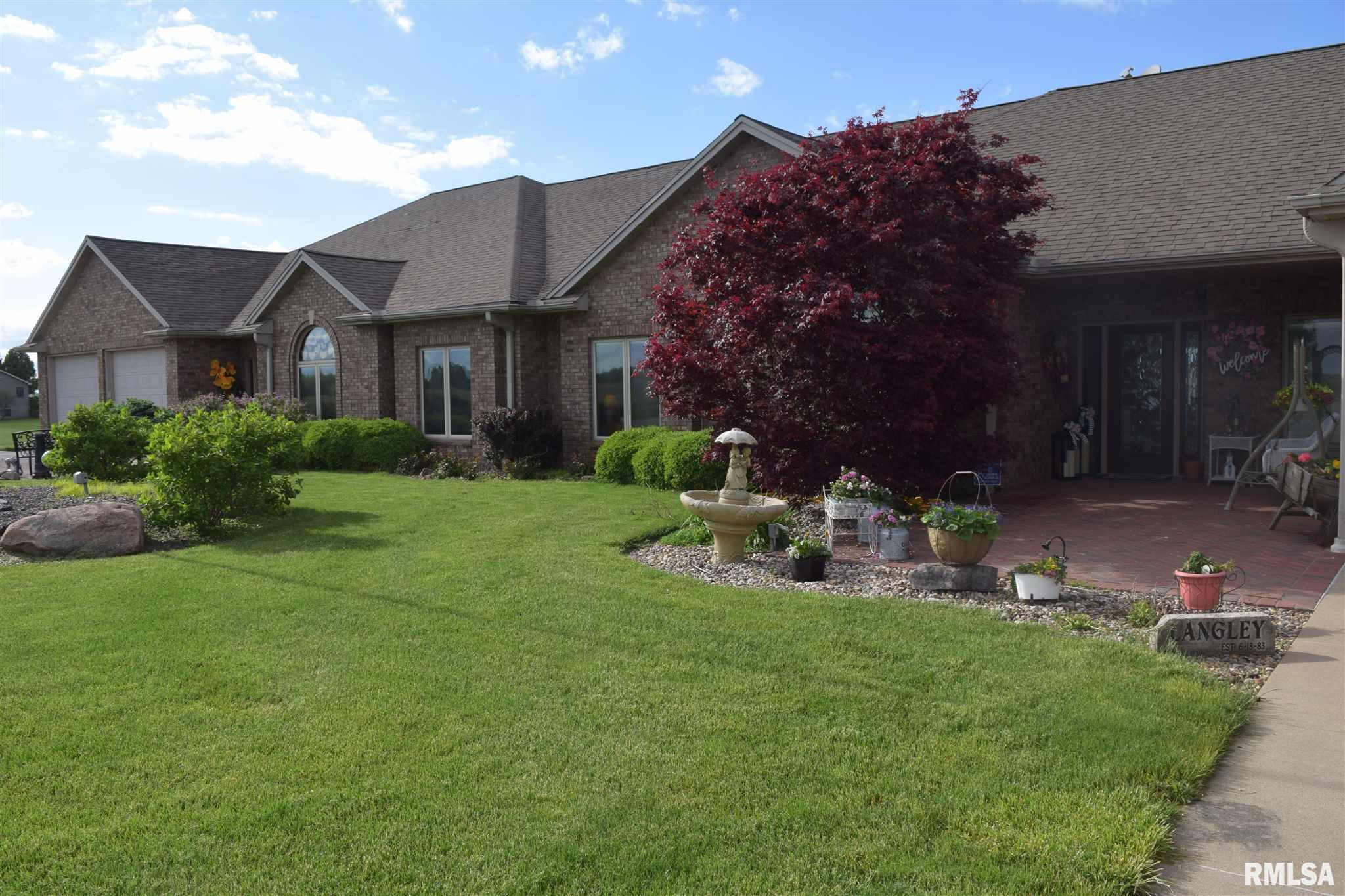 1572 LIBERTY Property Photo - Jacksonville, IL real estate listing
