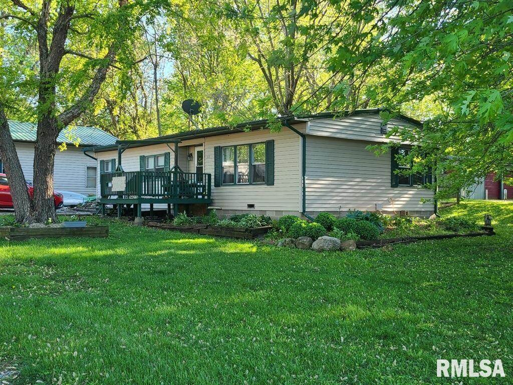 309 W MAIN Property Photo - Mt Auburn, IL real estate listing