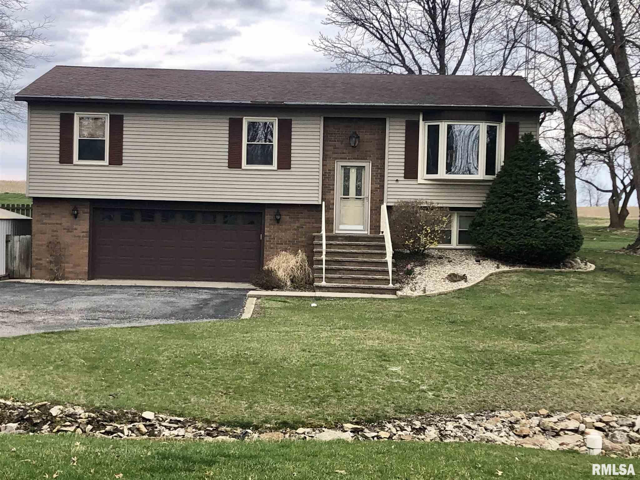 544 CIRCLE Property Photo - Pleasant Plains, IL real estate listing