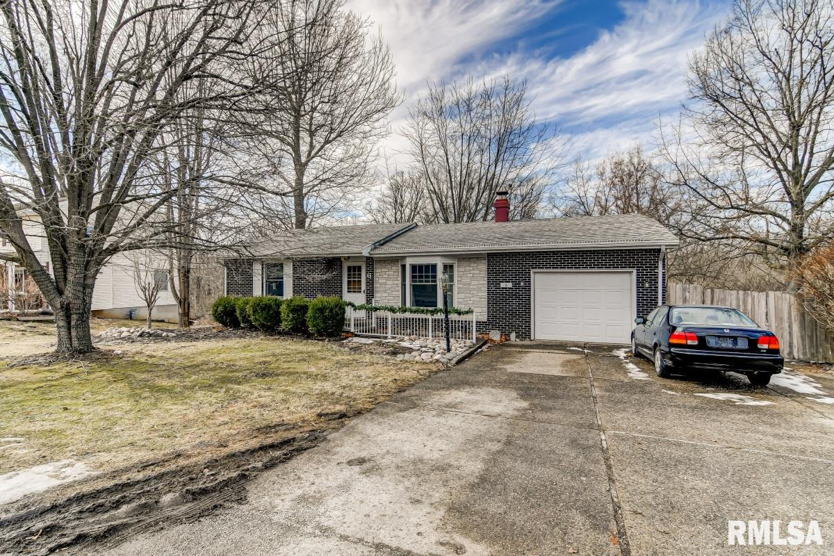 6 Willimantic Property Photo - Rochester, IL real estate listing