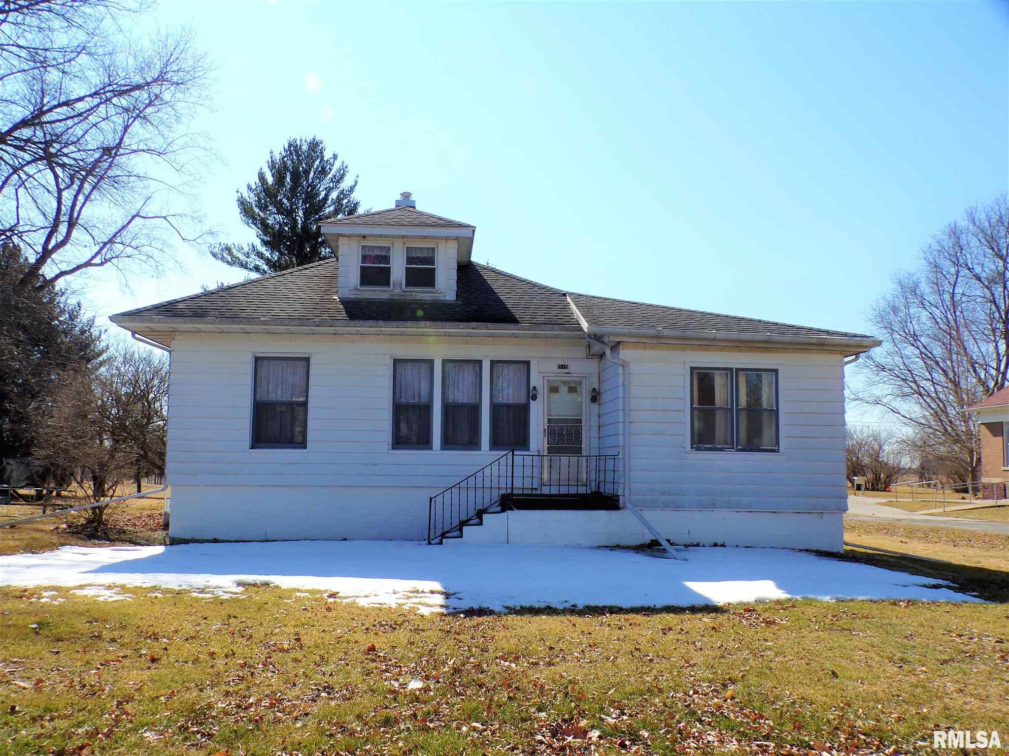 315 E CORTLAND Property Photo - Avon, IL real estate listing