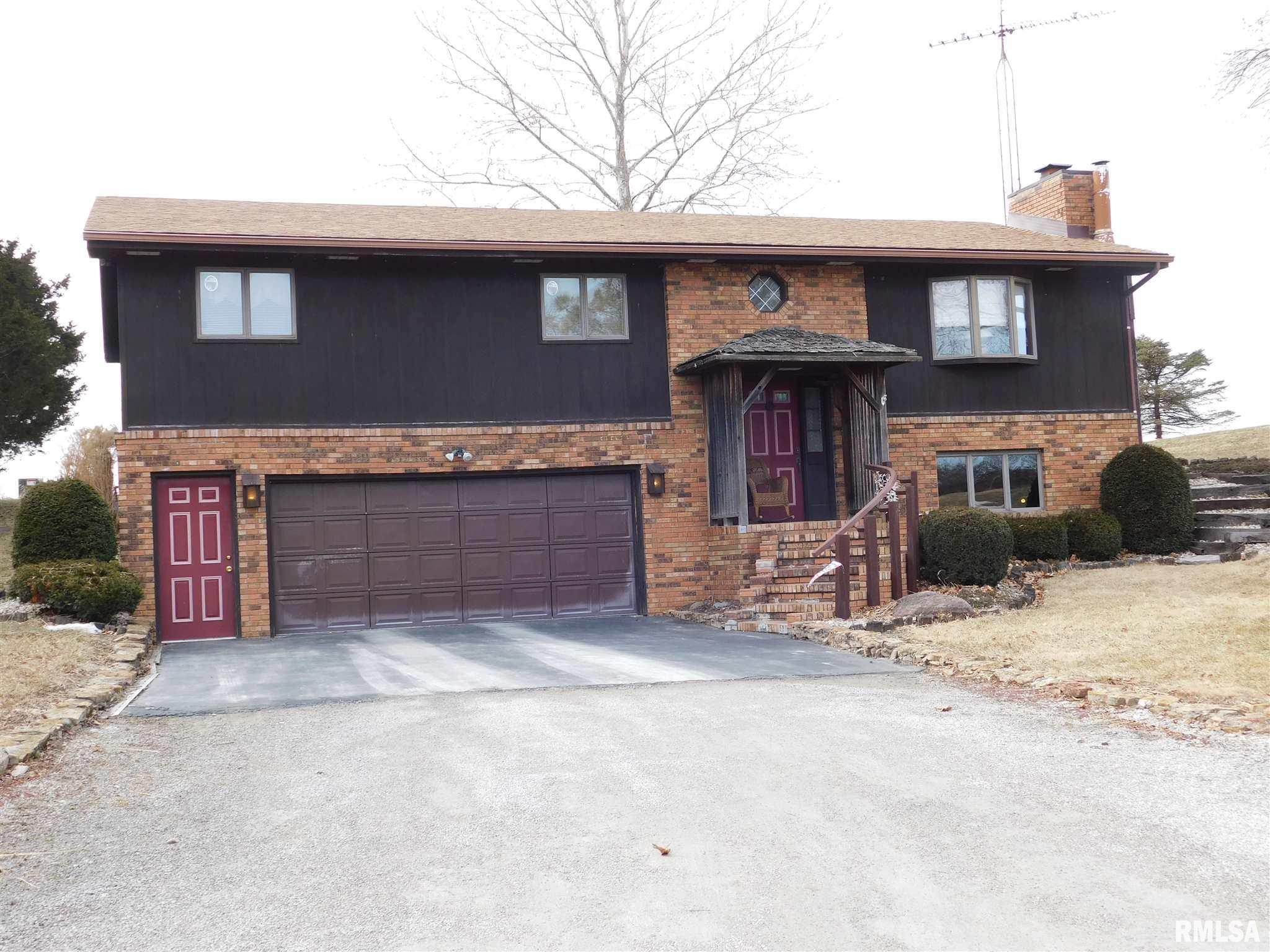 1344 E NICHOLAS Property Photo - Carlinville, IL real estate listing