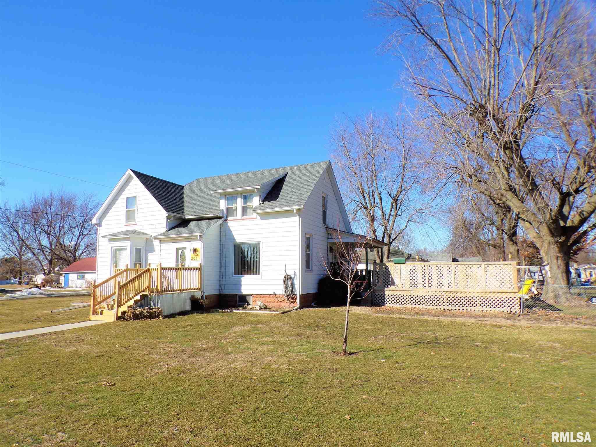 203 E COAL Property Photo - Wataga, IL real estate listing