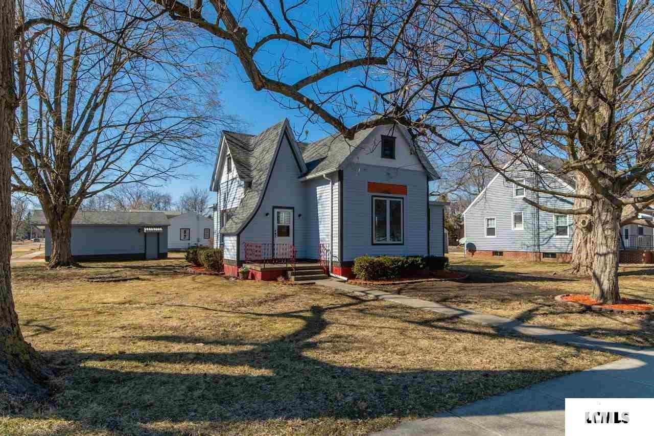 152 S Engle Property Photo - Greenview, IL real estate listing