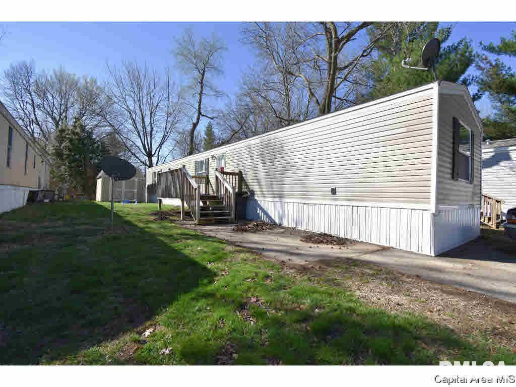 1401 N 3RD Property Photo - Riverton, IL real estate listing
