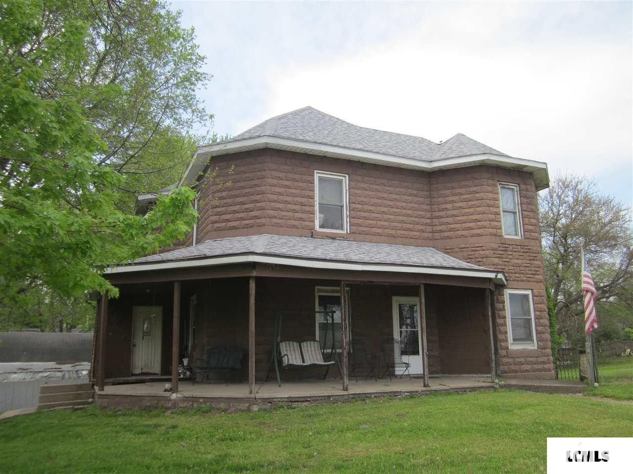 105 S MAIN Property Photo - Forest City, IL real estate listing