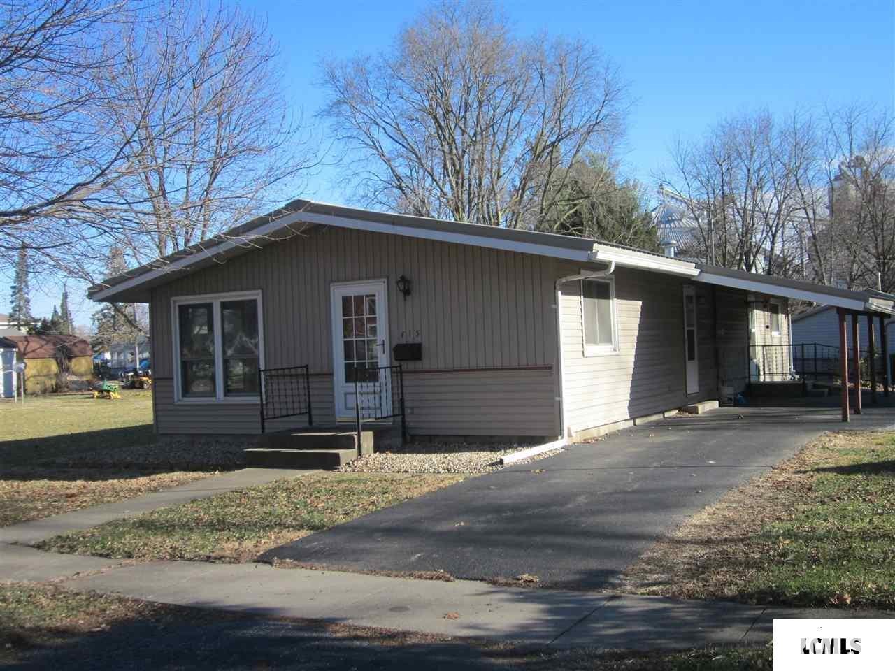 415 S MAIN Property Photo - Mason City, IL real estate listing