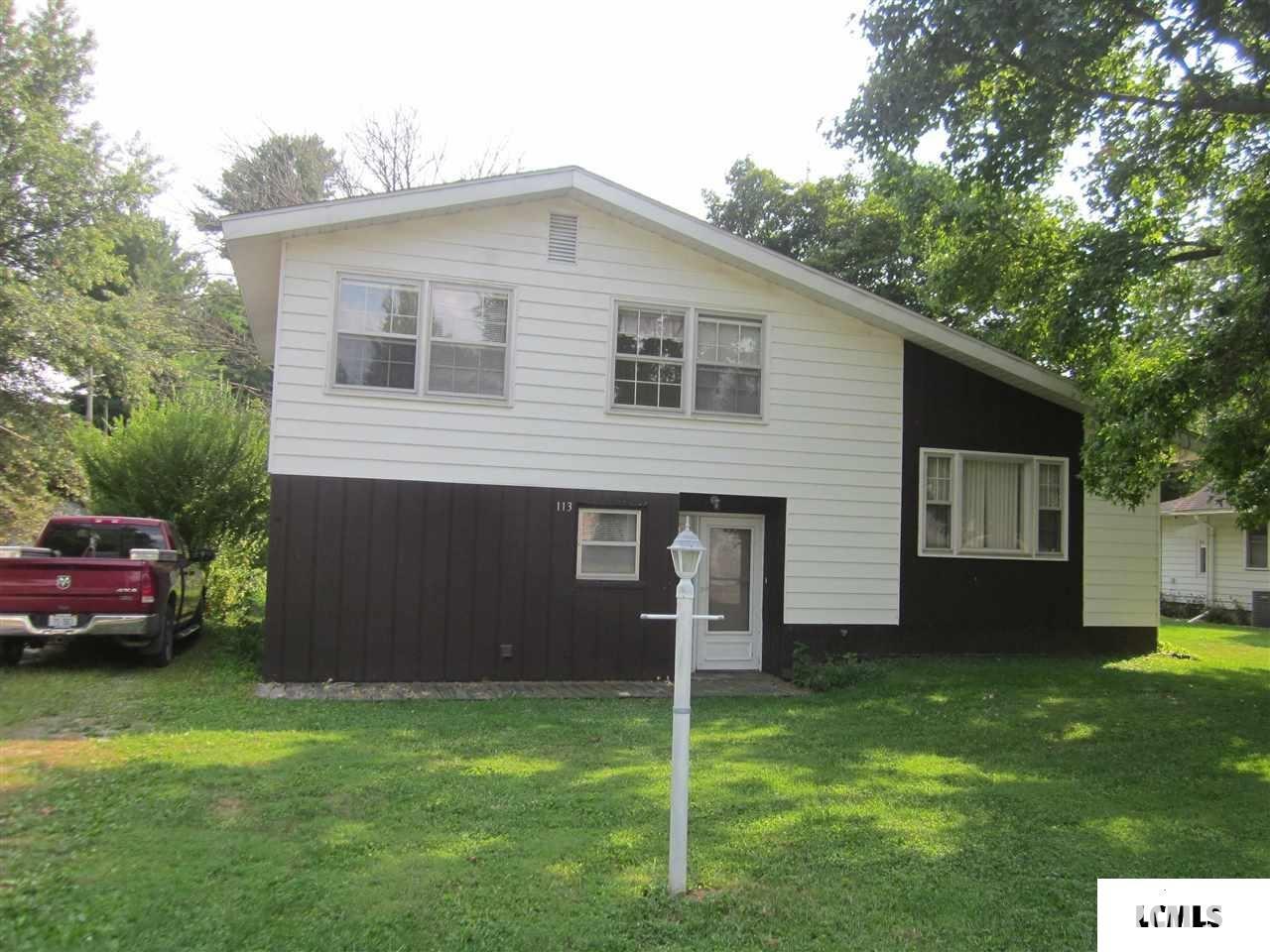 113 W JEFFERSON Property Photo - Mason City, IL real estate listing