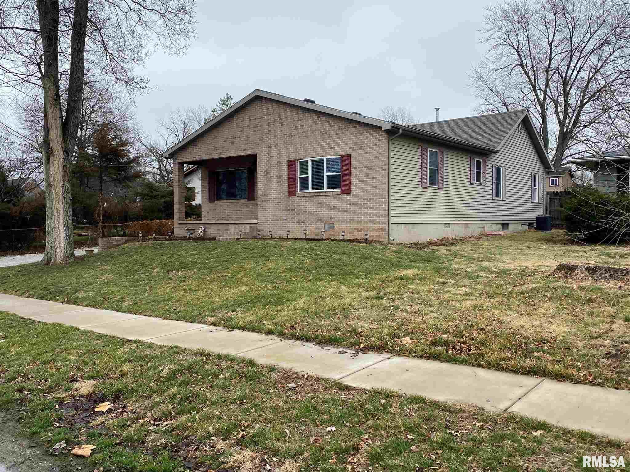 104 S 6TH Property Photo - Riverton, IL real estate listing