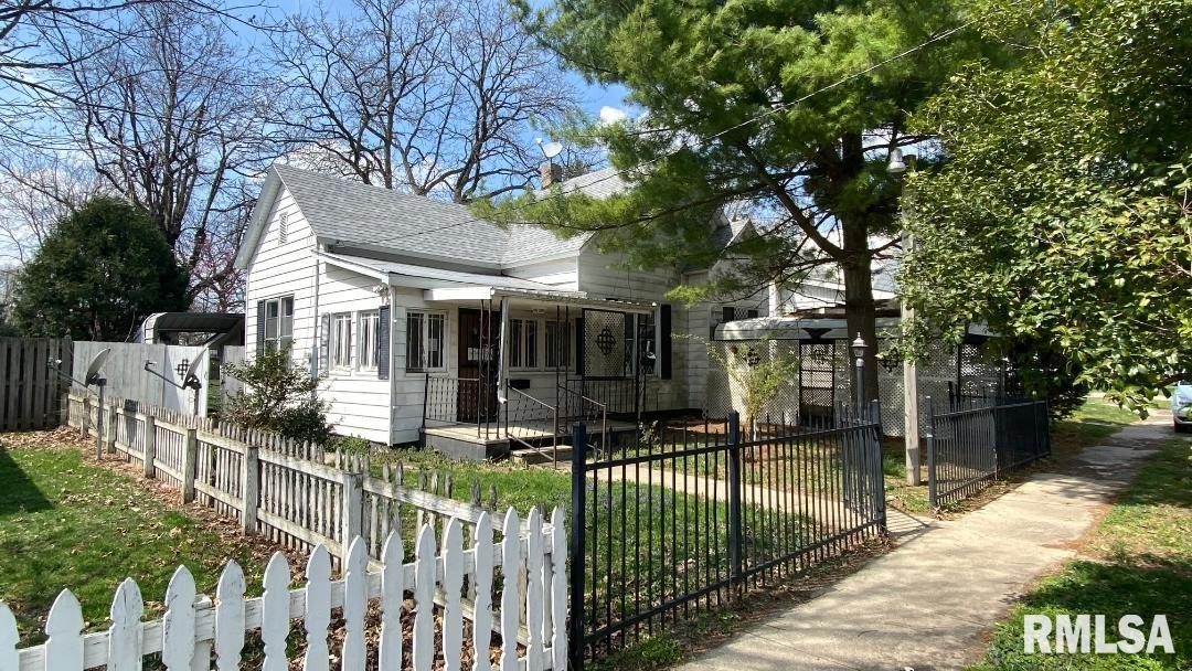 967 N NOBLE Property Photo - Virden, IL real estate listing