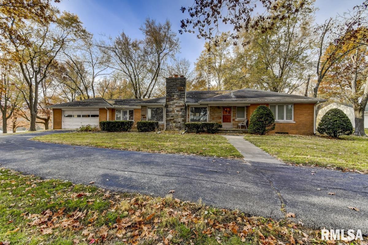 2802 W JEFFERSON Property Photo - Springfield, IL real estate listing