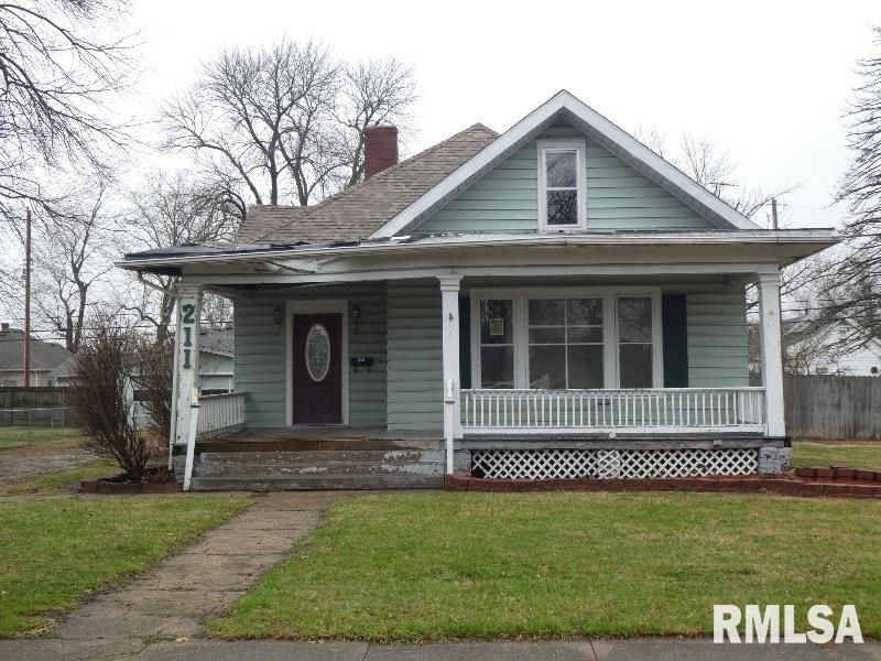 211 E MAPLE Property Photo - Gillespie, IL real estate listing