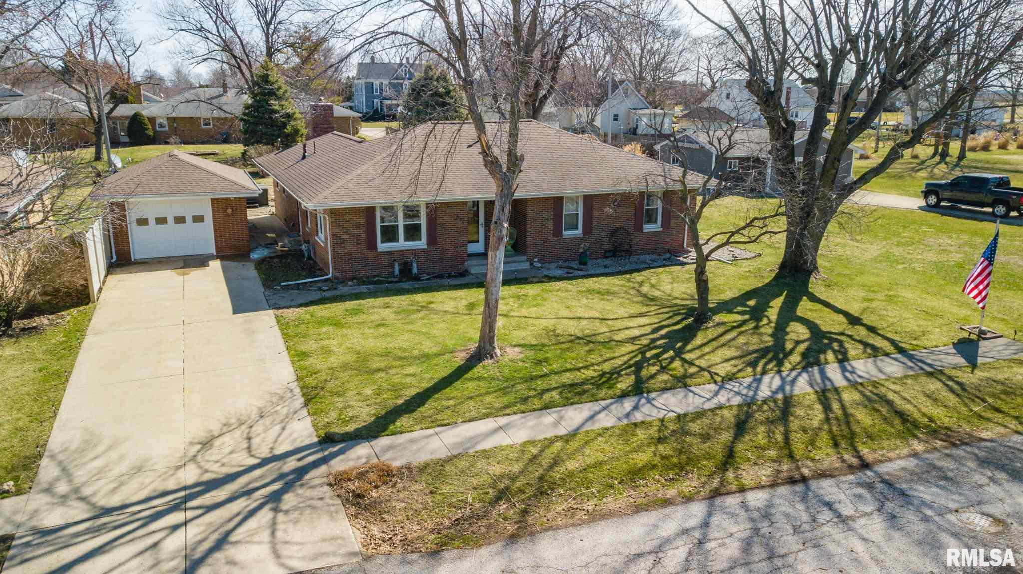 506 S MAIN Property Photo - Minier, IL real estate listing