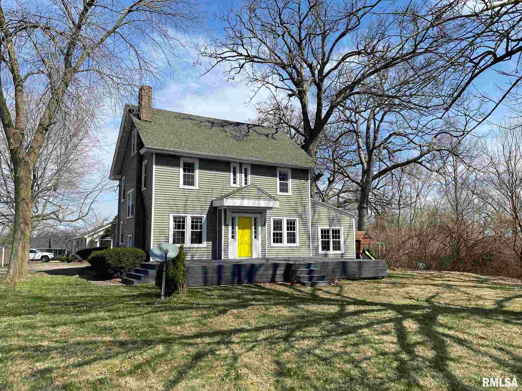 323 W RUTLEDGE Property Photo - Petersburg, IL real estate listing