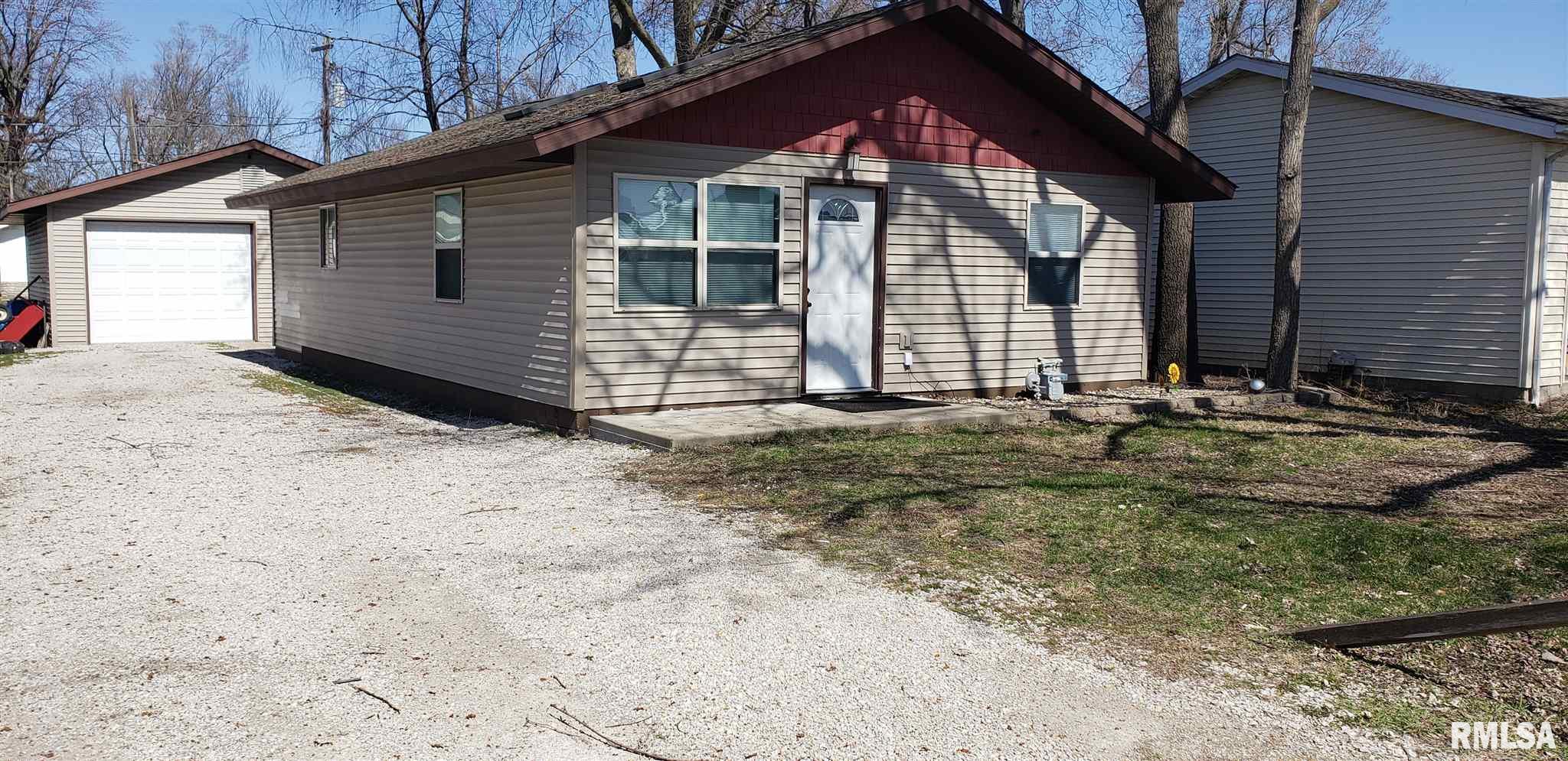 211 E MAIN Property Photo - Dawson, IL real estate listing