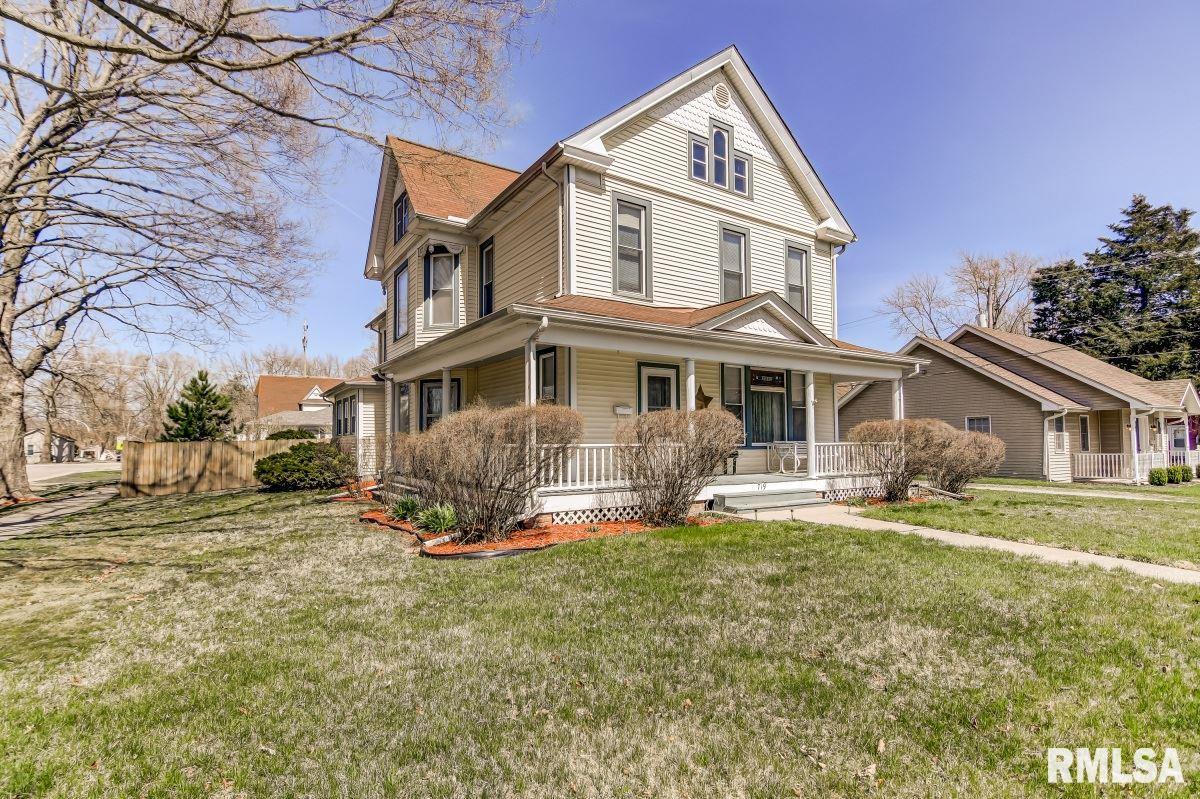 719 W JACKSON Property Photo - Petersburg, IL real estate listing