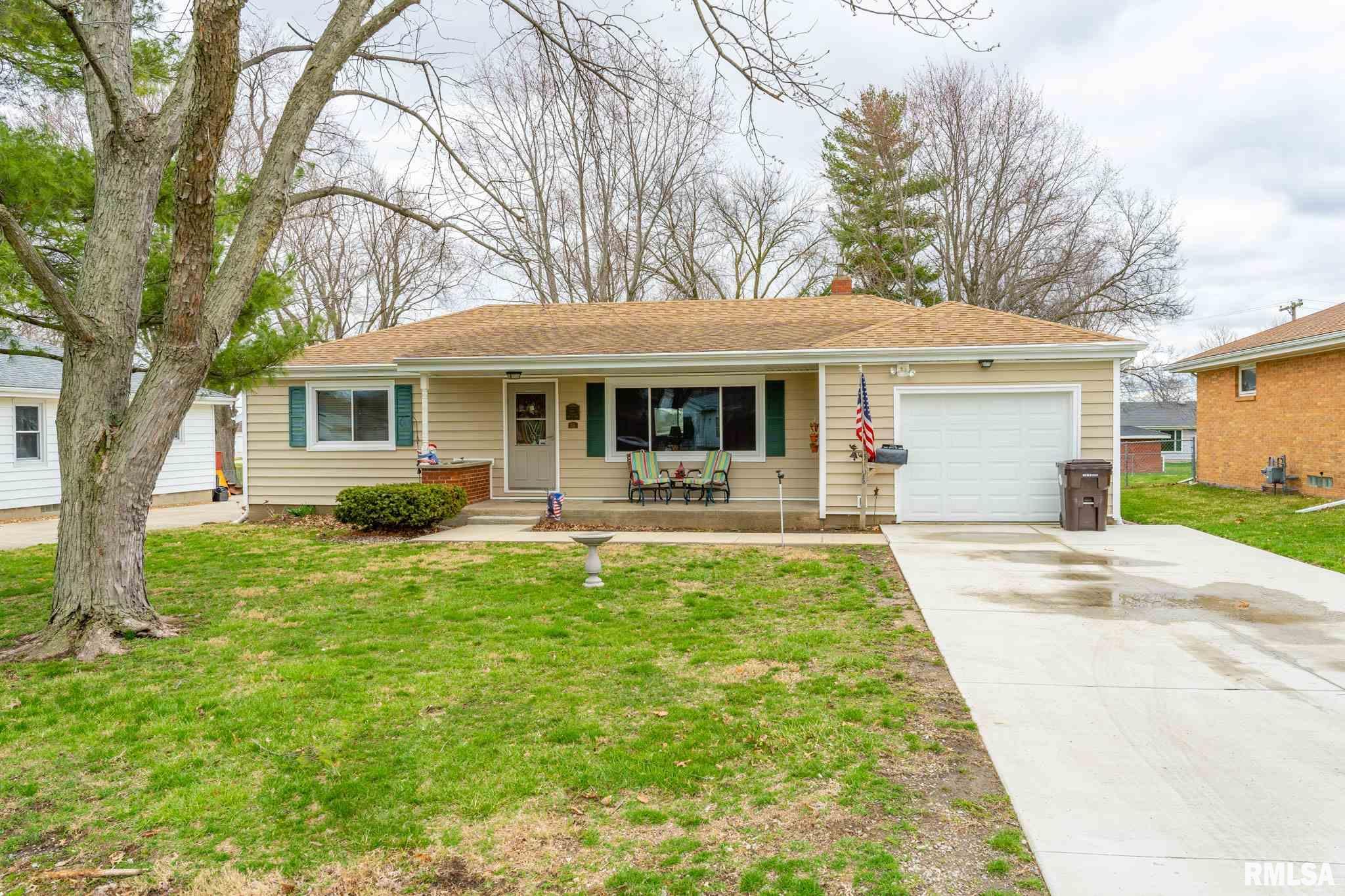519 N SCOTT Property Photo - Mt Pulaski, IL real estate listing