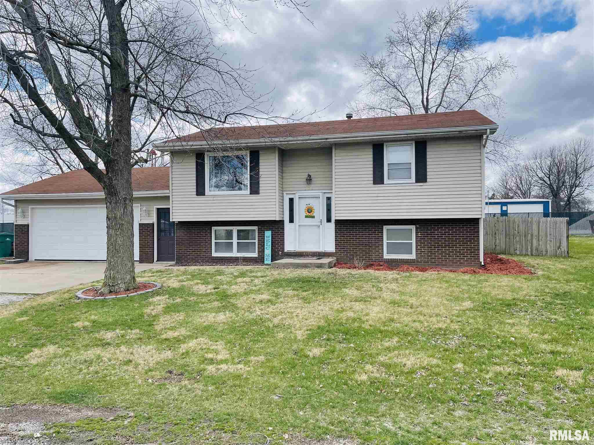 303 GRAND Property Photo - Kincaid, IL real estate listing