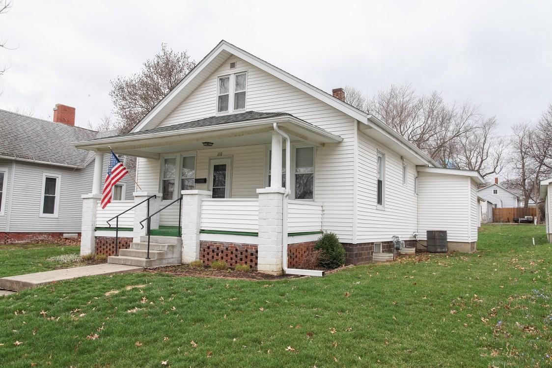 110 S GARDEN Property Photo - Mt Pulaski, IL real estate listing