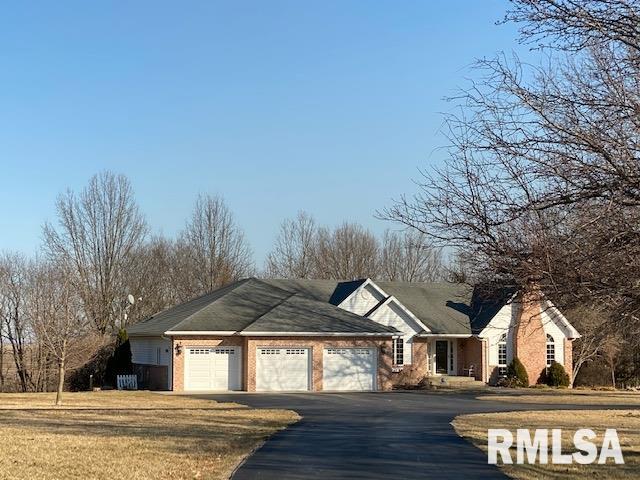 62677 Real Estate Listings Main Image