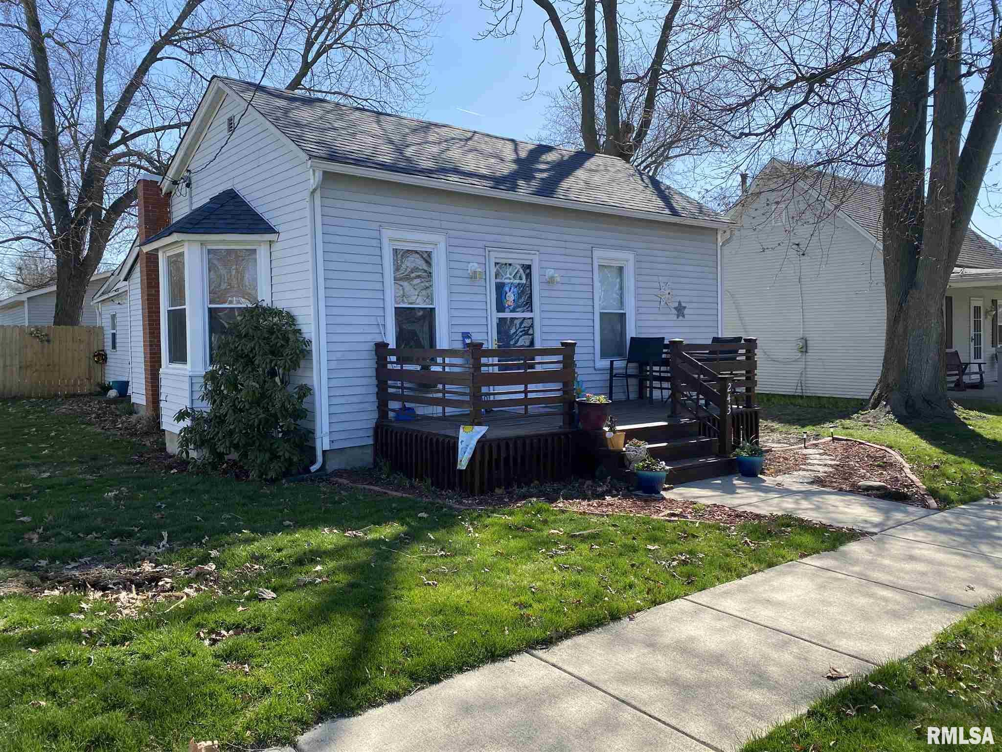 243 West Adams Property Photo - Greenview, IL real estate listing