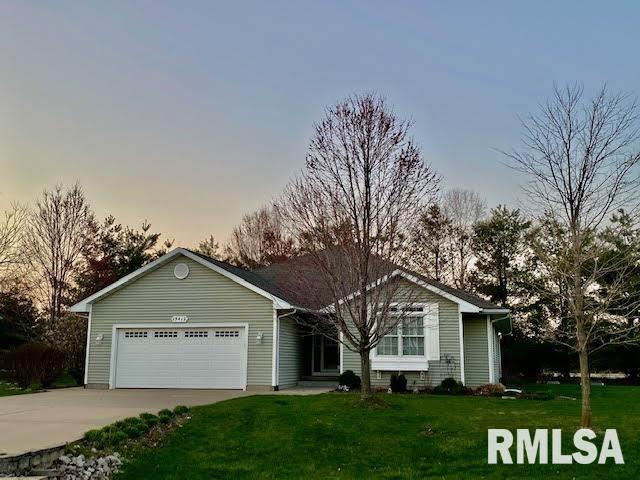 15412 Guinan Property Photo - Petersburg, IL real estate listing