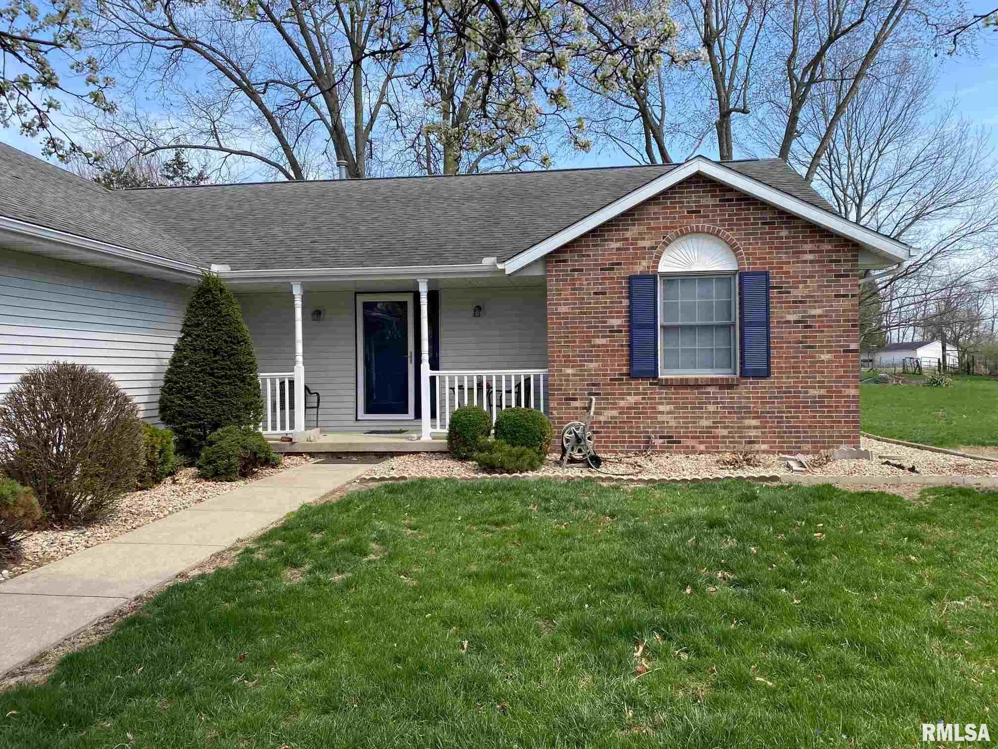 118 S 5TH Property Photo - Riverton, IL real estate listing