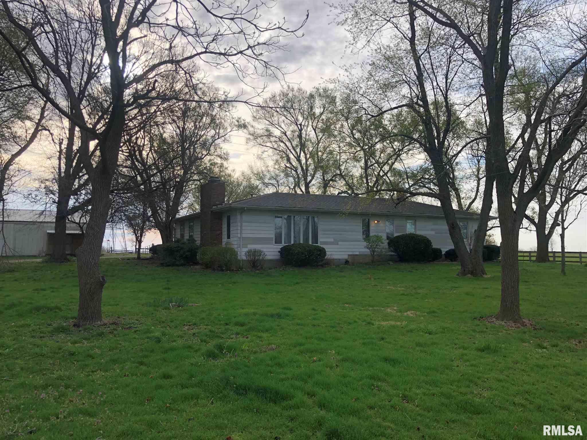 2522 625 East Property Photo - Rochester, IL real estate listing