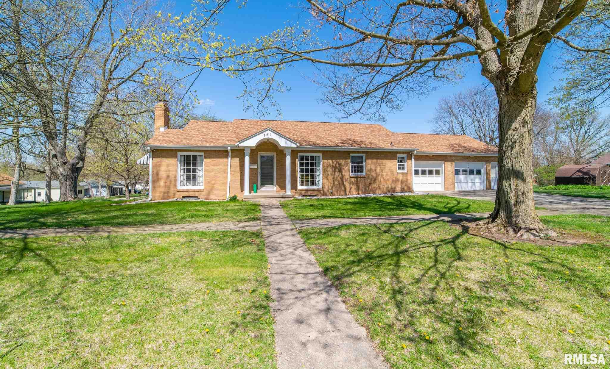 121 W MORGAN Property Photo - Mt Pulaski, IL real estate listing