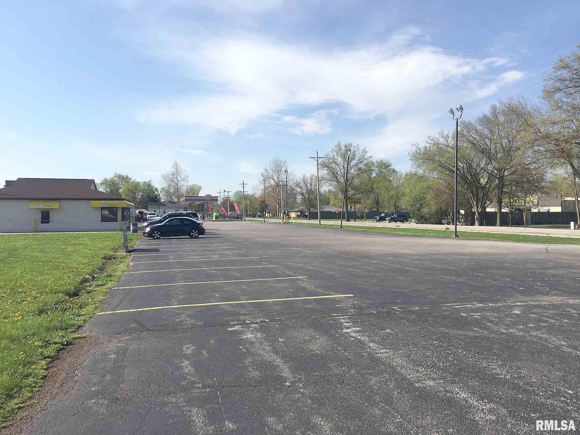 1305 N 7TH Property Photo - Riverton, IL real estate listing