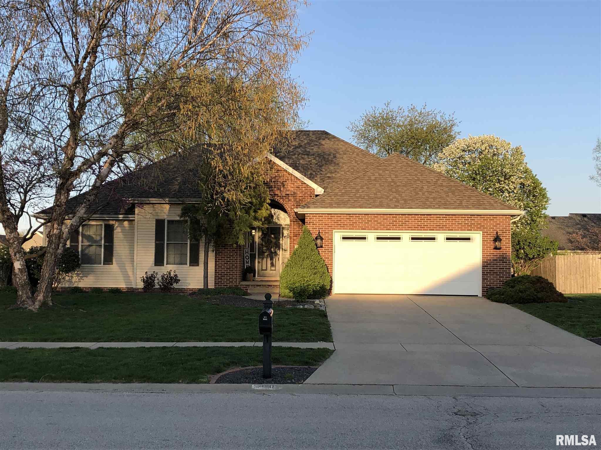 820 S 1ST Property Photo - Sherman, IL real estate listing