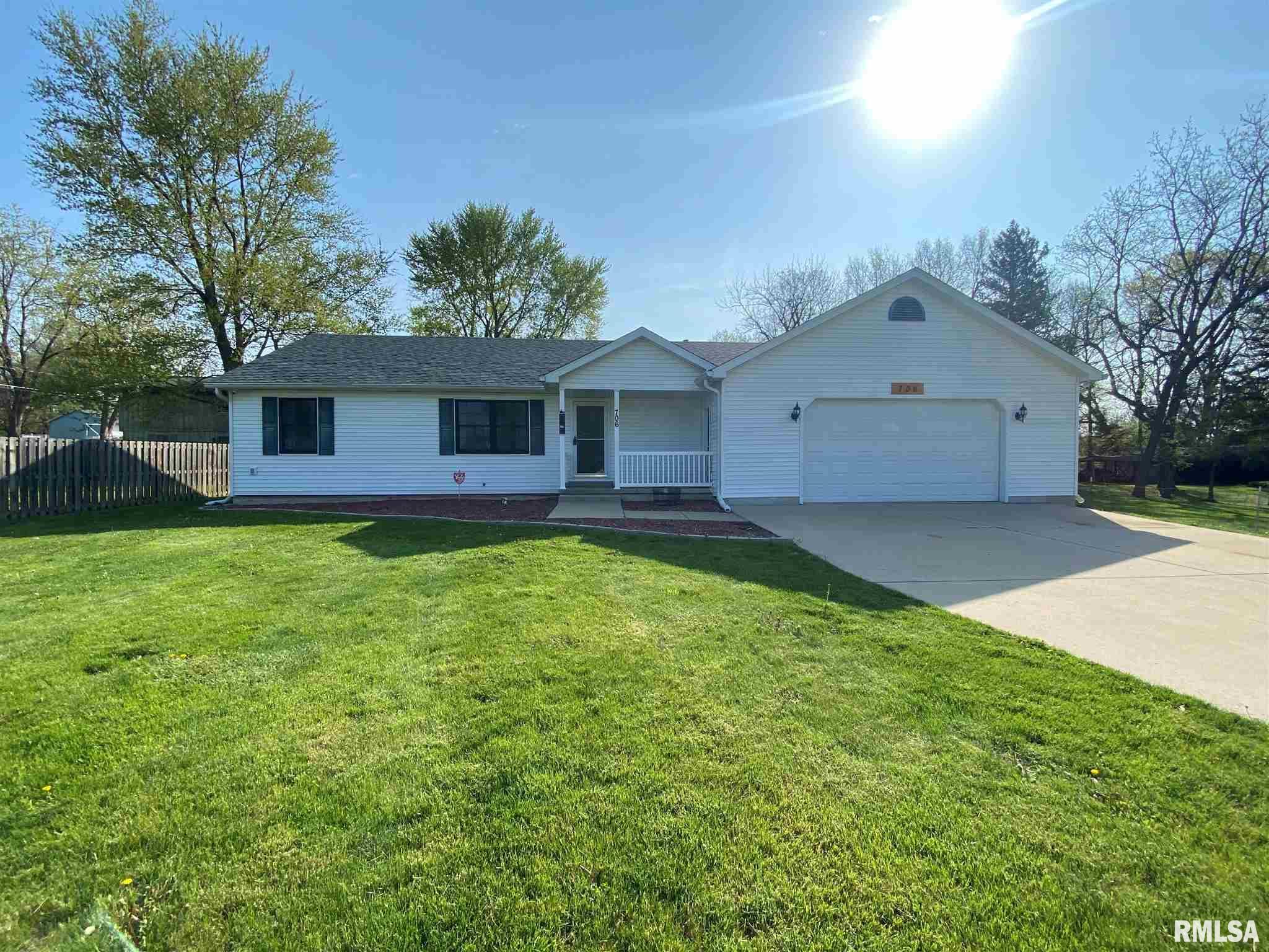 706 N 5TH Property Photo - Riverton, IL real estate listing