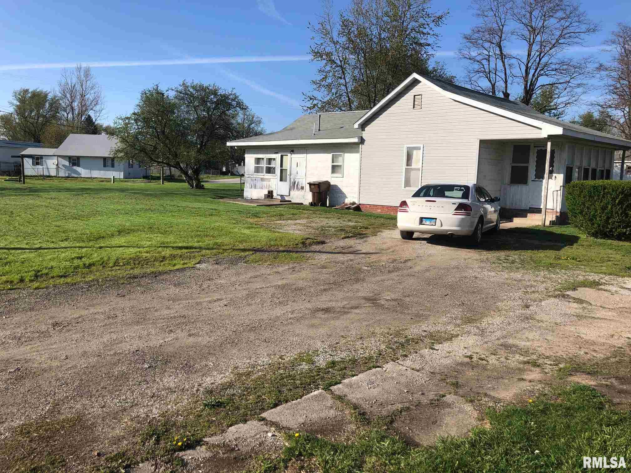 803 Route 48 Property Photo - Palmer, IL real estate listing