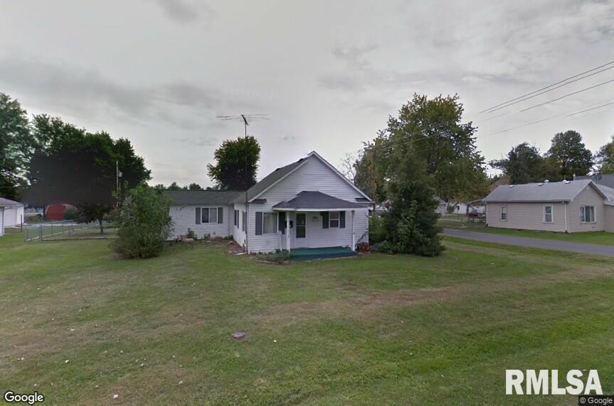 500 E PINE Property Photo - Gillespie, IL real estate listing