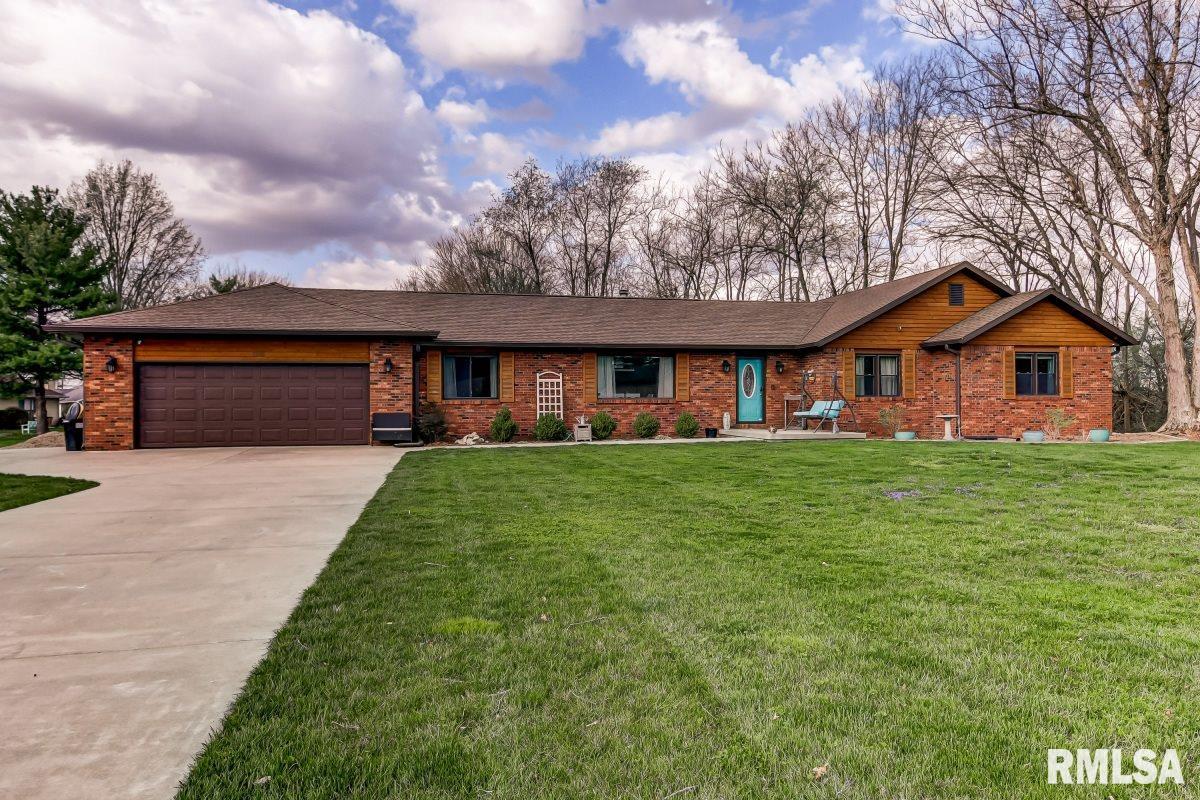 1100 Bugle Property Photo - Springfield, IL real estate listing