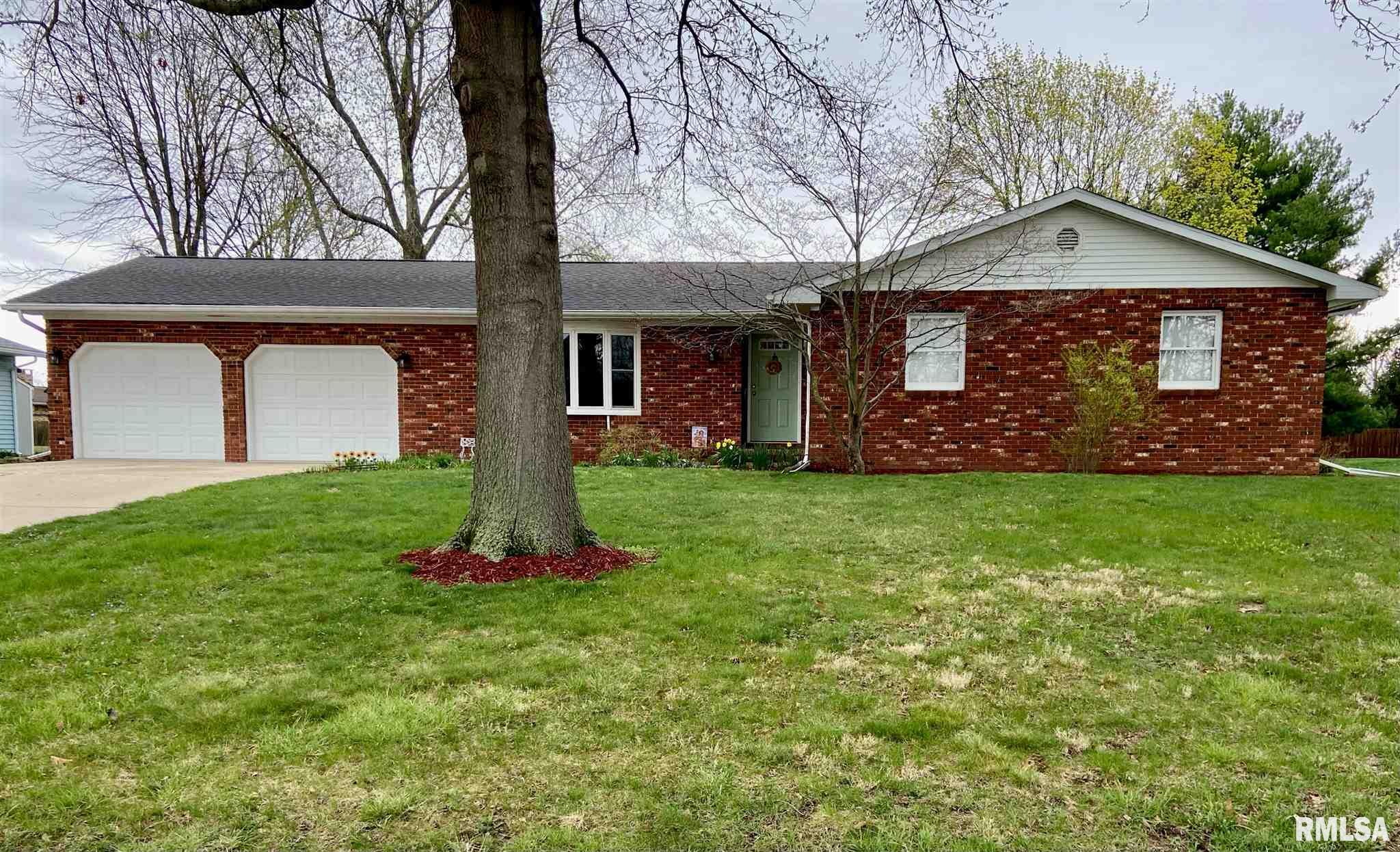 108 Allegheny Property Photo - Rochester, IL real estate listing