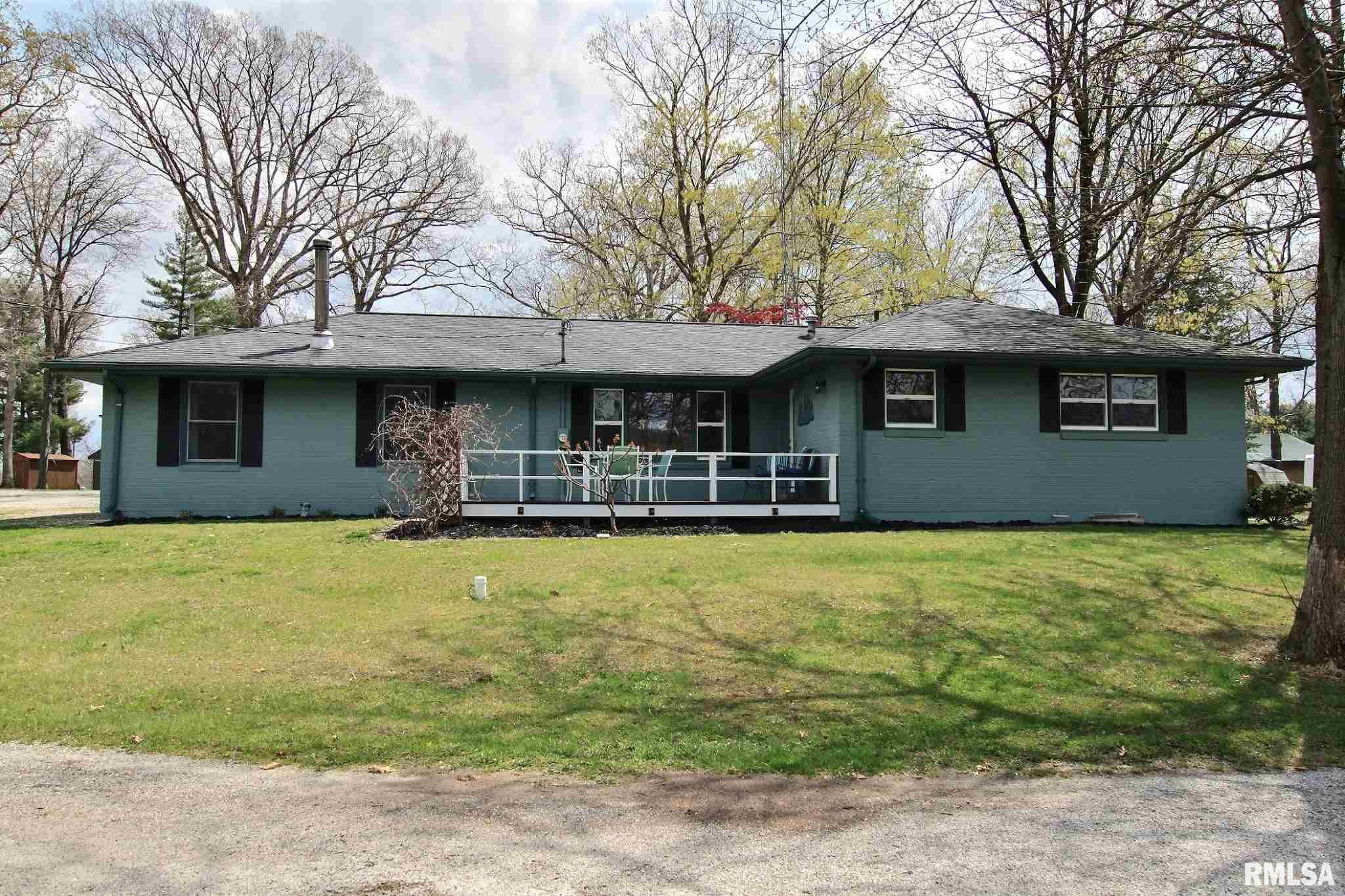 30319 SUNSET Property Photo - Girard, IL real estate listing