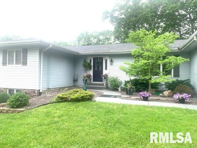10 LAUREL Property Photo - Taylorville, IL real estate listing