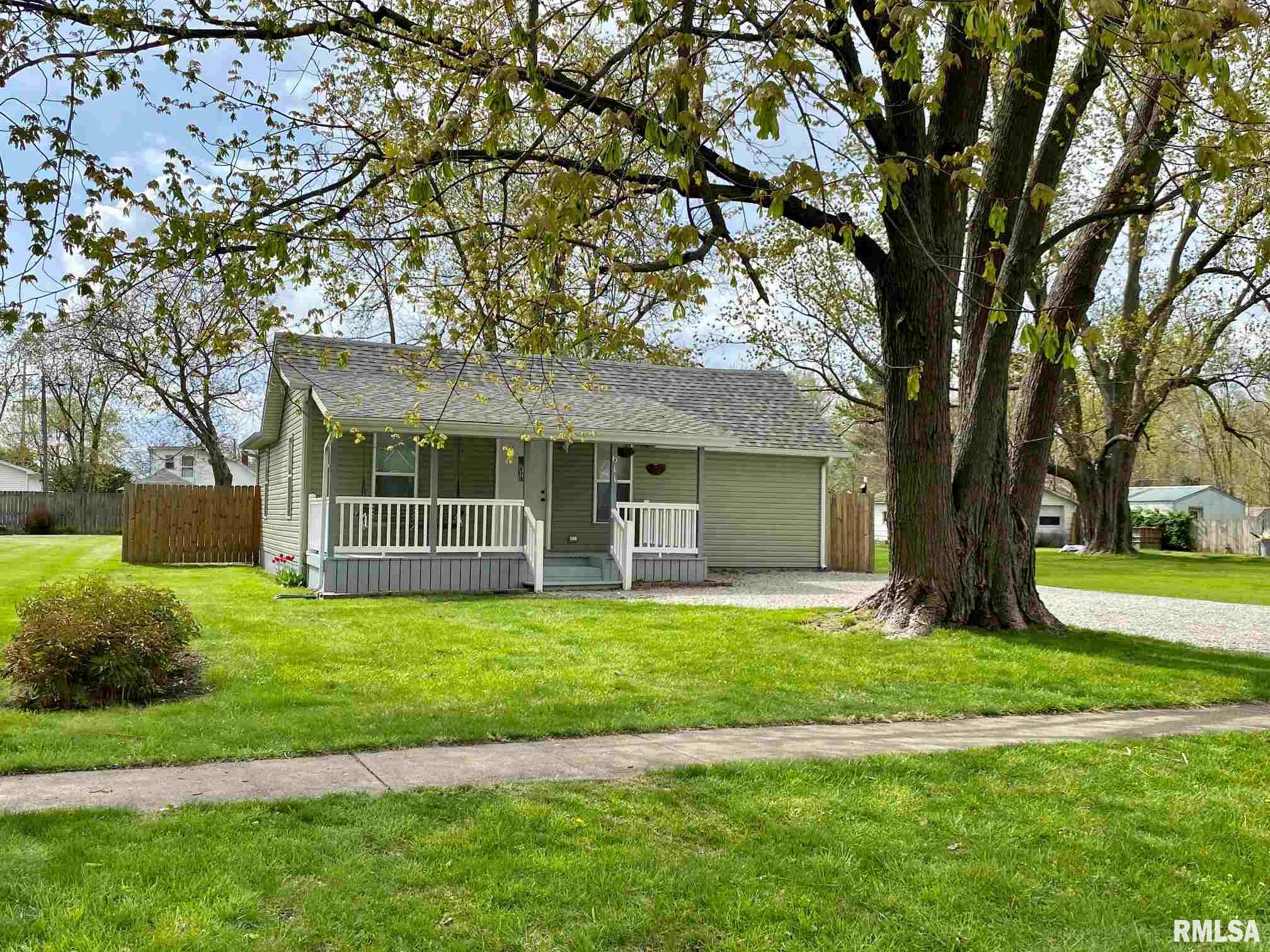 611 N MAIN Property Photo - Athens, IL real estate listing