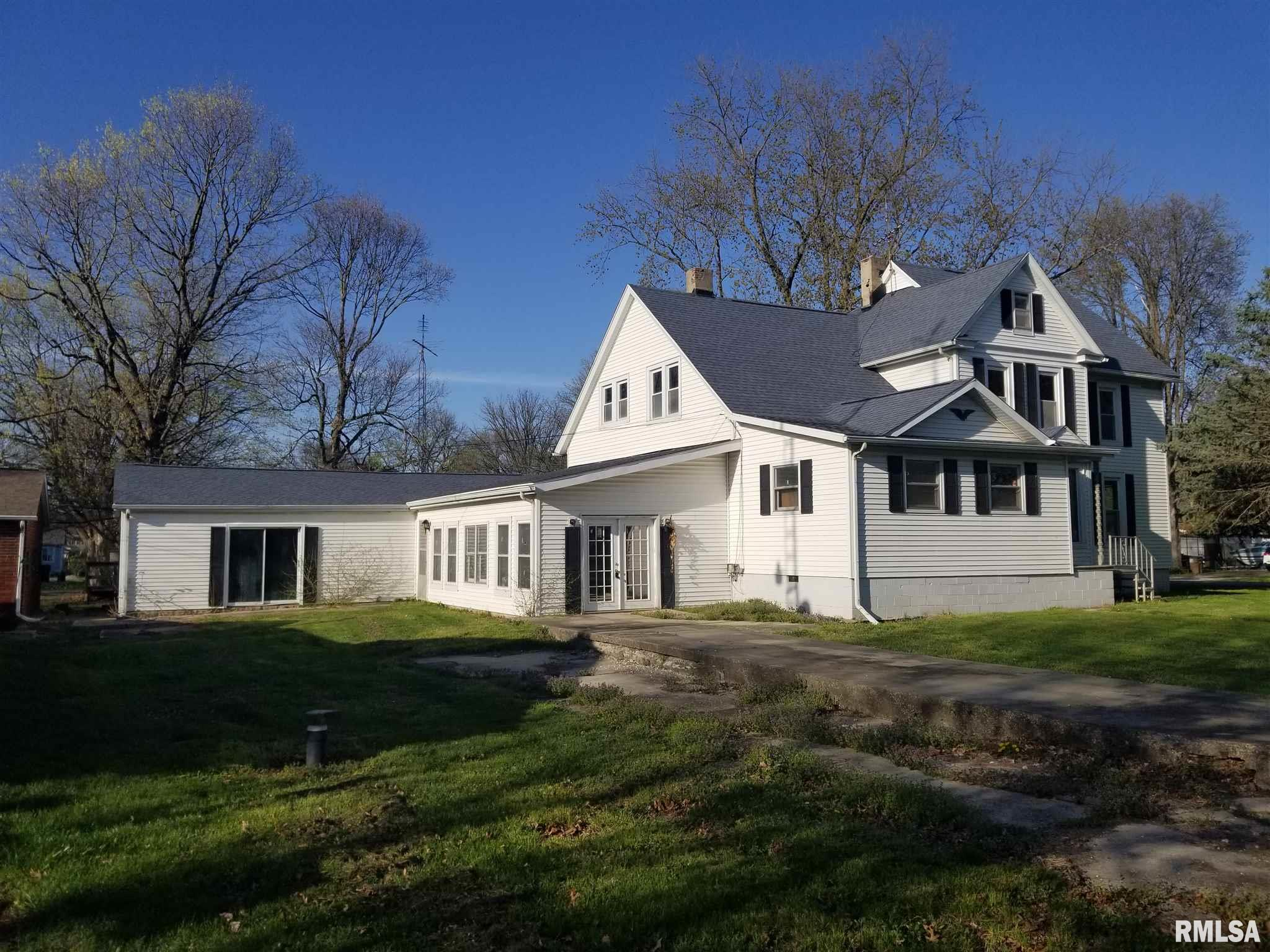 227 S Finis Property Photo - Virden, IL real estate listing